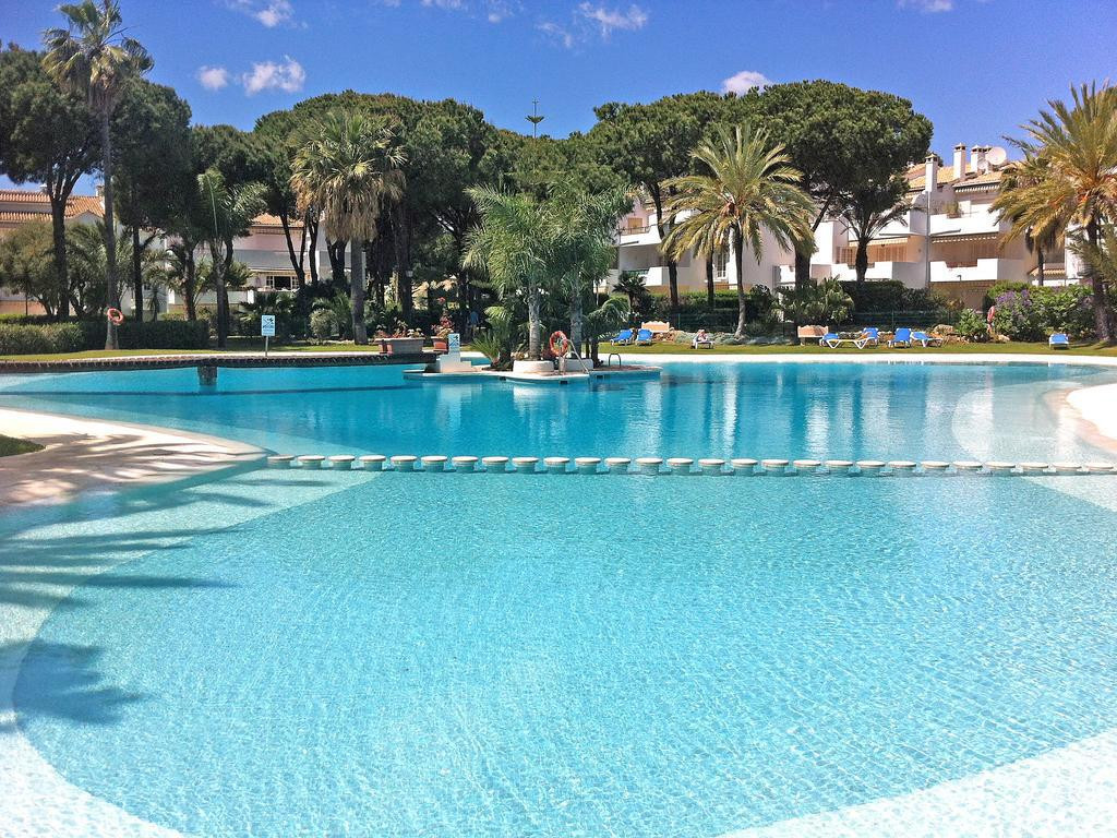 A large two bedroom first floor apartment overlooking the main pool and located on the popular beach,Spain