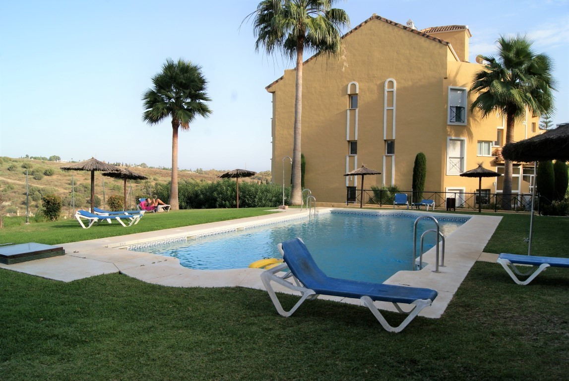 Spacious two bed, two bath family apartment located in popular residential district of Bel Air close,Spain