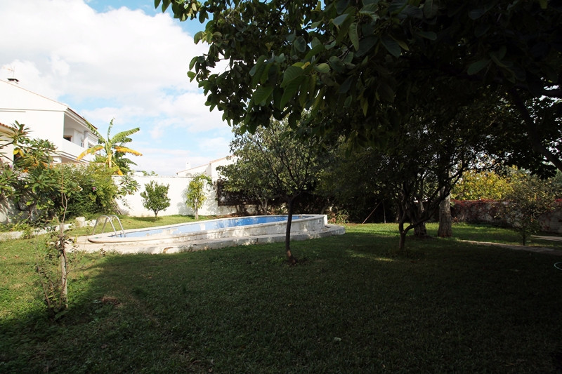 Wonderful villa with four bedrooms for sale in El Pinillo, Torremolinos. Nice gardens and swimming p, Spain