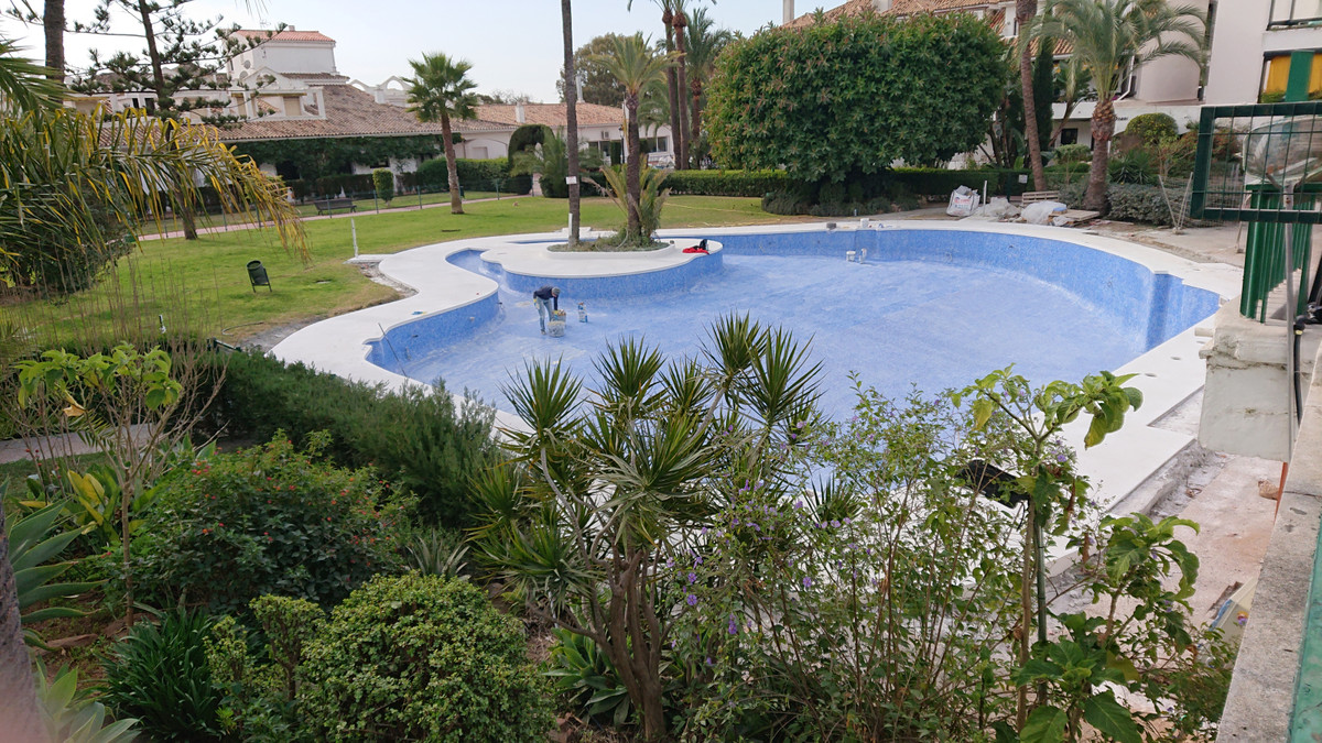LOCATION, LOCATION, LOCATION...Superbly situated two bedroom, two bathroom end-terrace apartment loc, Spain