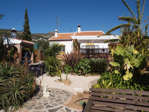 Villa with wonderful views to the mountains, partly furnished, fireplace, fitted wardrobes, Sun all ,Spain