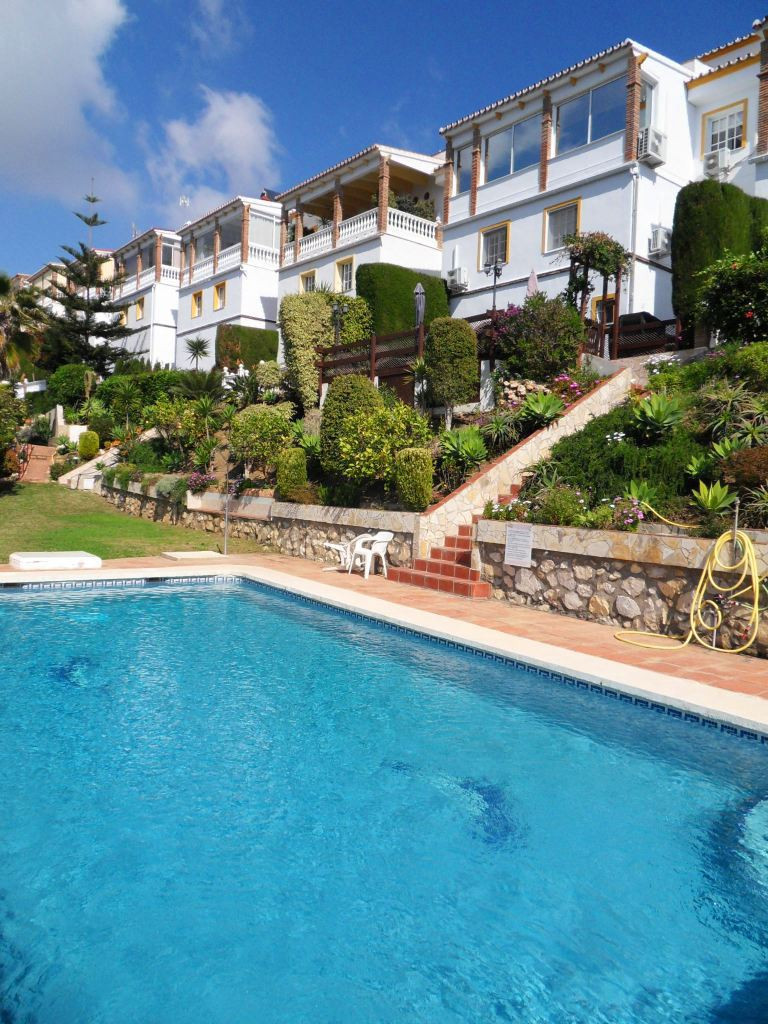 Located on a cul de sac in a quiet part of Calahonda this property appeals to all potential buyers a,Spain