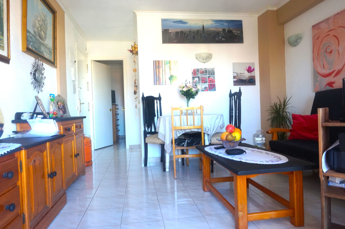 Opportunity!!! Great Investment !!! Gamonal Area. Next to the Center. Nice 1 bedroom apartment with ,Spain