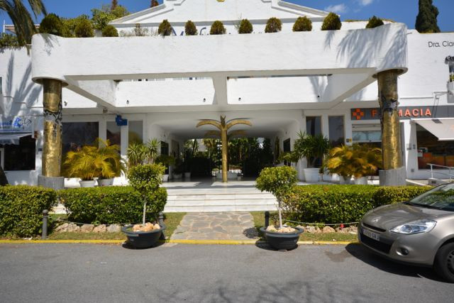 Garage space in the complex Marbella Real. 24 m2 Good entry space.  Located in the golden mile.  Wal,Spain