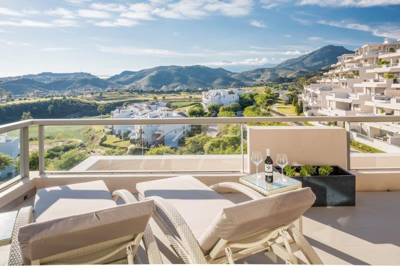 This south-west facing apartment offers spectacular panoramic sea and mountain views. It has a privi,Spain