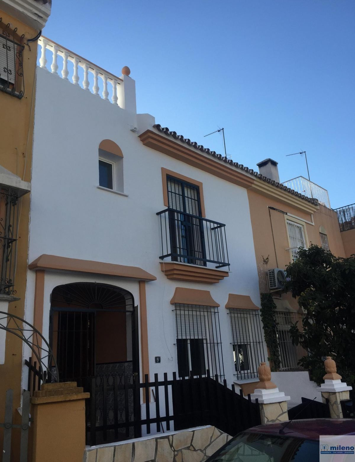 For sale Semi-detached house completely renovated, brand new, in the urban centre of Alhaurin de la ,Spain