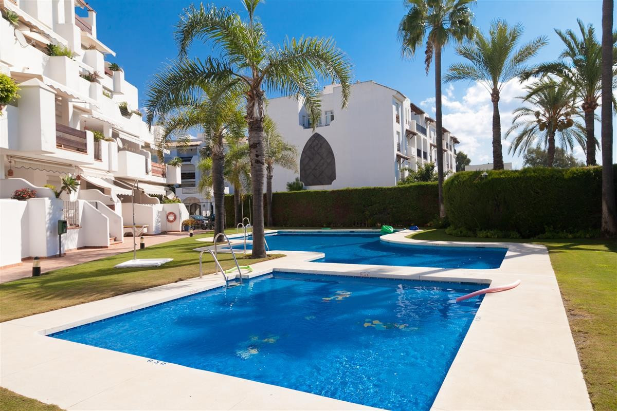 This is a good sized apartment in Puerto Banus next to the Melia Dinard hotel. It has a large roof t,Spain