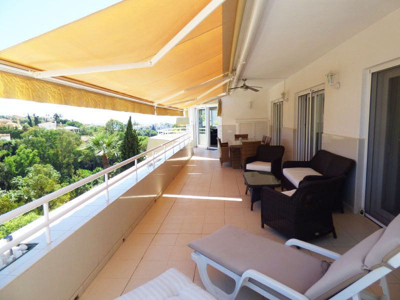 EXCLUSIVITY! Located right next to Torrequebrada golf course in Benalmadena Costa in an exclusive ur, Spain