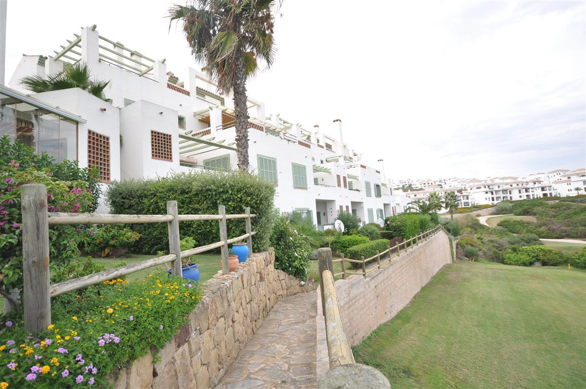 Magnificent penthouse apartment, frontline the golf in a prestigious residential area in Alcaidesa w, Spain