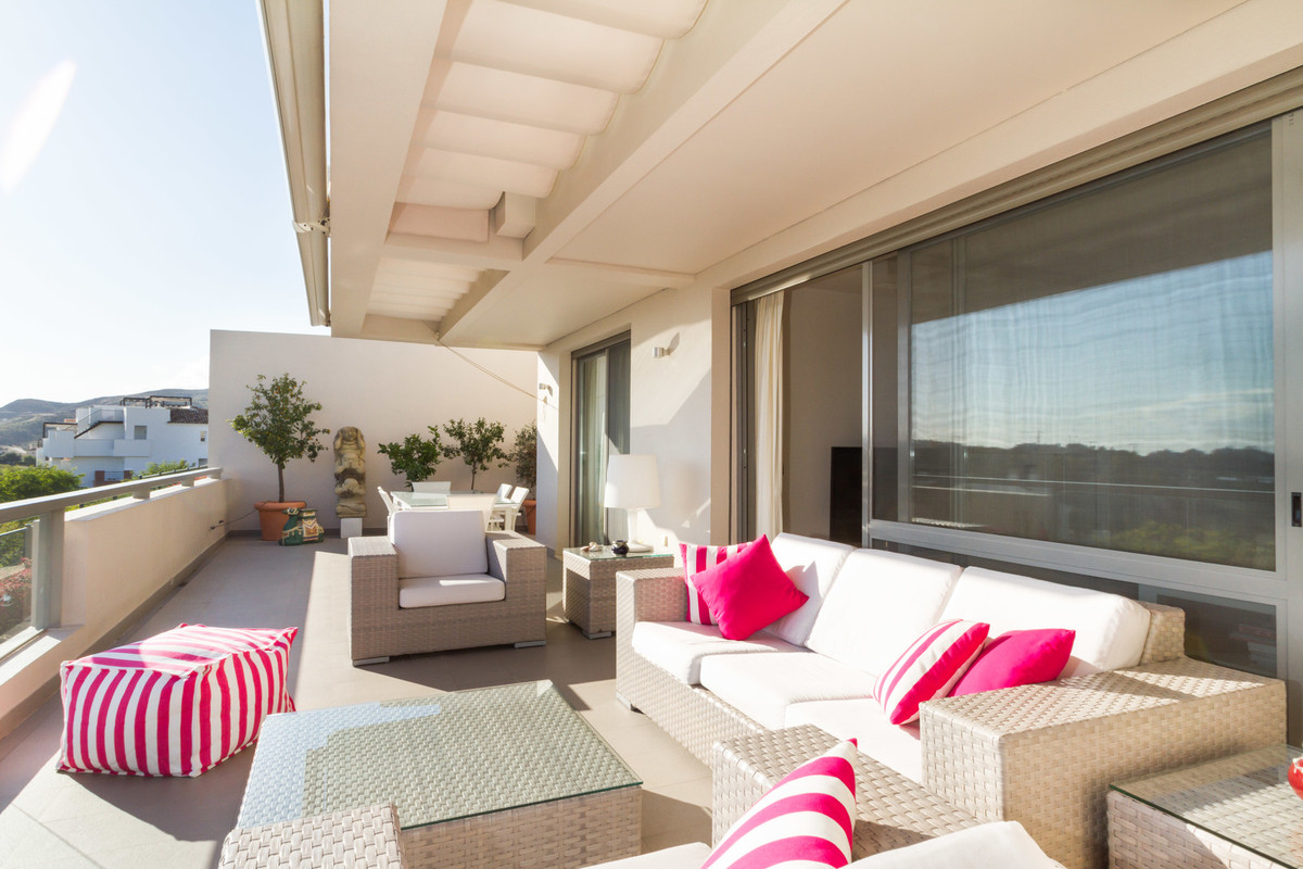 Los Arrayanes Golf is a new contemporary development of 78 dwellings, surrounding the new 9-hole gol,Spain