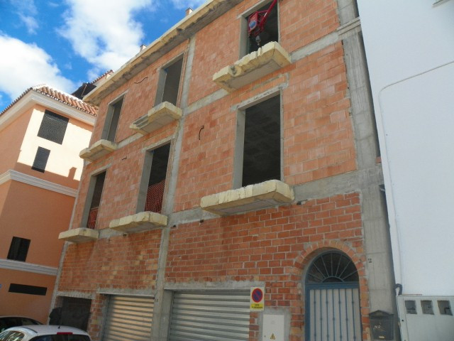 Fabulous opportunity to acquire this property near the centre of the village of Alhaurin el Grande. ,Spain