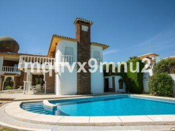 This villa is perfect for co-living, situated in a charming location close to the sea and 5 minutes , Spain
