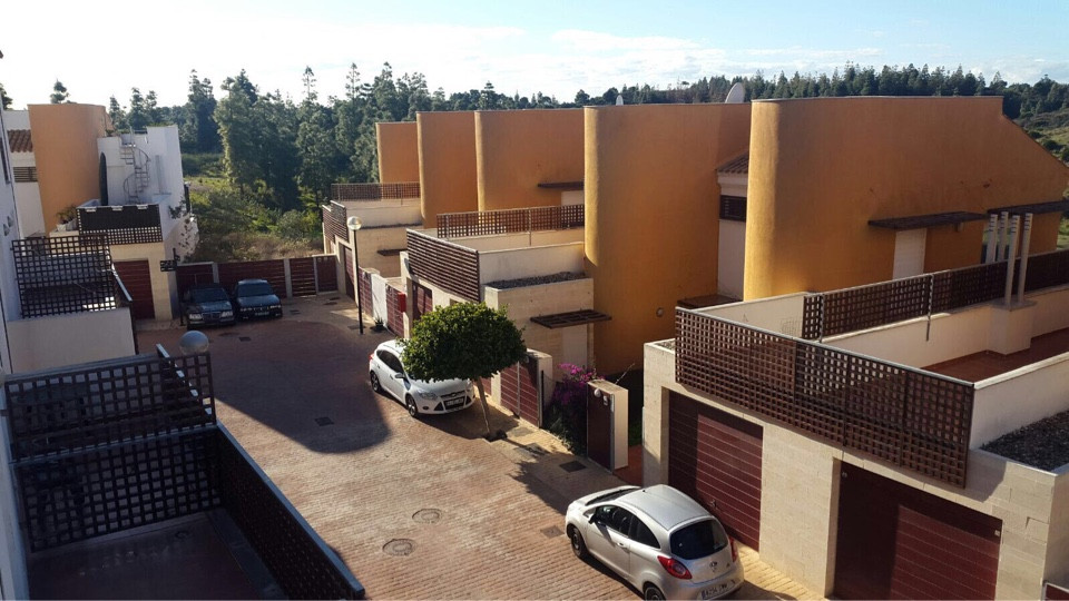 Townhouse, , Costa del Sol. 3 Bedrooms, 2 Bathrooms, Built 158 m², Terrace 8 m².  Setting : Mountain, Spain