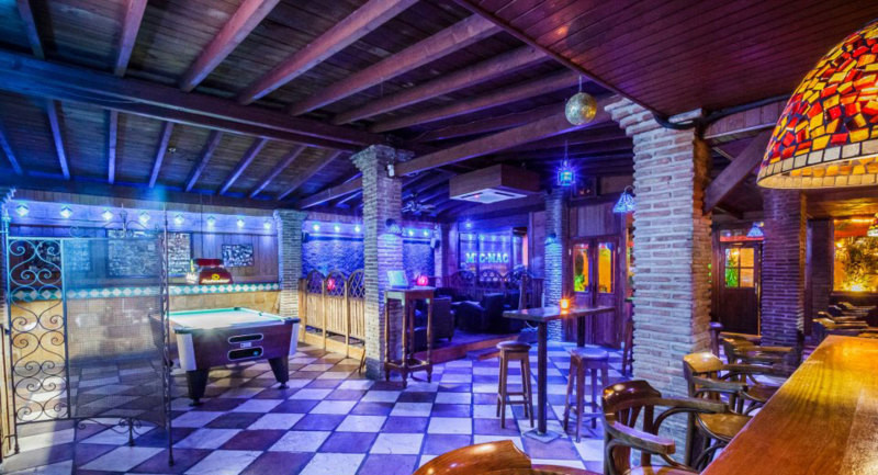 This is an unique opportunity to buy a very cool nightclub/bar/discotheque. You can keep it as it is, Spain