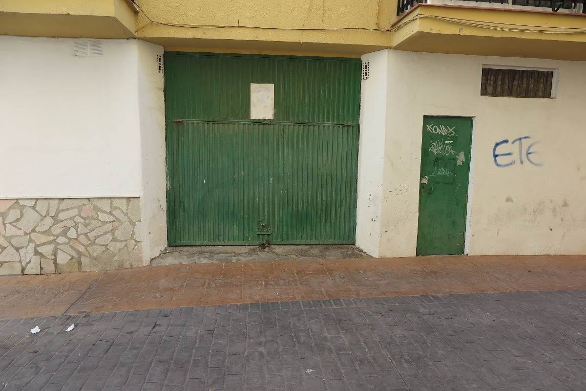 Garage, Fuengirola, Costa del Sol. Built 19 m².  Setting : Town, Commercial Area, Close To Shops, Cl, Spain