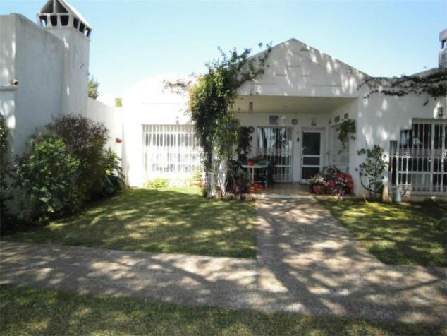 Bright townhouse close to the sea in Marbella. With an area of 192 sqm, the house has 3 bedrooms and,Spain