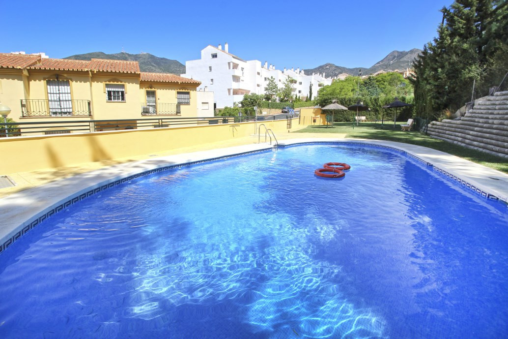 It is located in very nice and quiet area of Torrequebrada golf and also 10 min. walking distance to, Spain