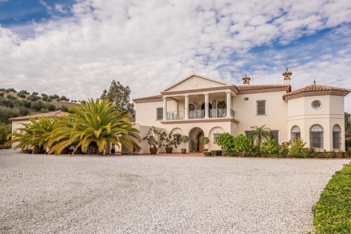 The Monte Cielo property is a beautiful colonial-style house. Designed by the owners and built in th,Spain