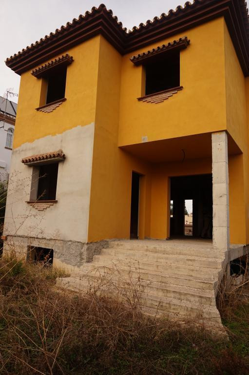 HOUSE TO FINISH WITH EXCELLENT CONDITIONS OF INVESTMENT AND VERY GOOD PRICE. TWO MINUTES FROM THE HI,Spain