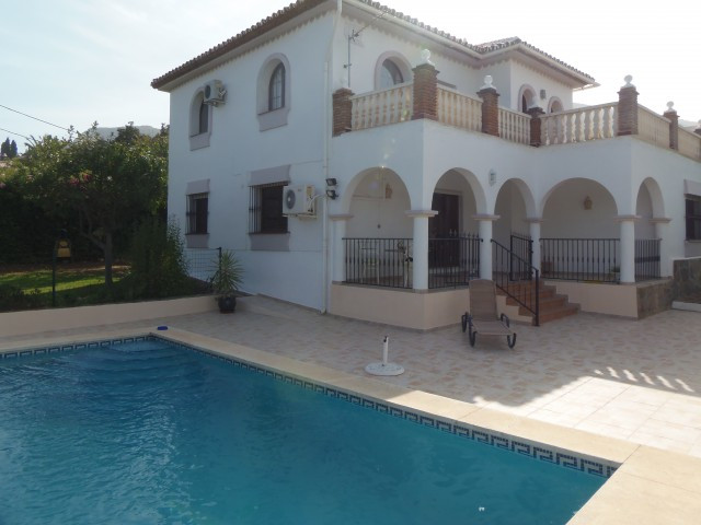 Originally listed at 465.000 € now reduced to 399.950 € A beautifully presented villa, situated in a,Spain