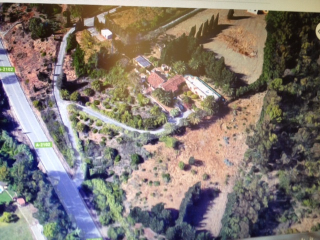 Fantastic location near the Polo Fields & Port of Sotogrande. This property needs major reformat,Spain