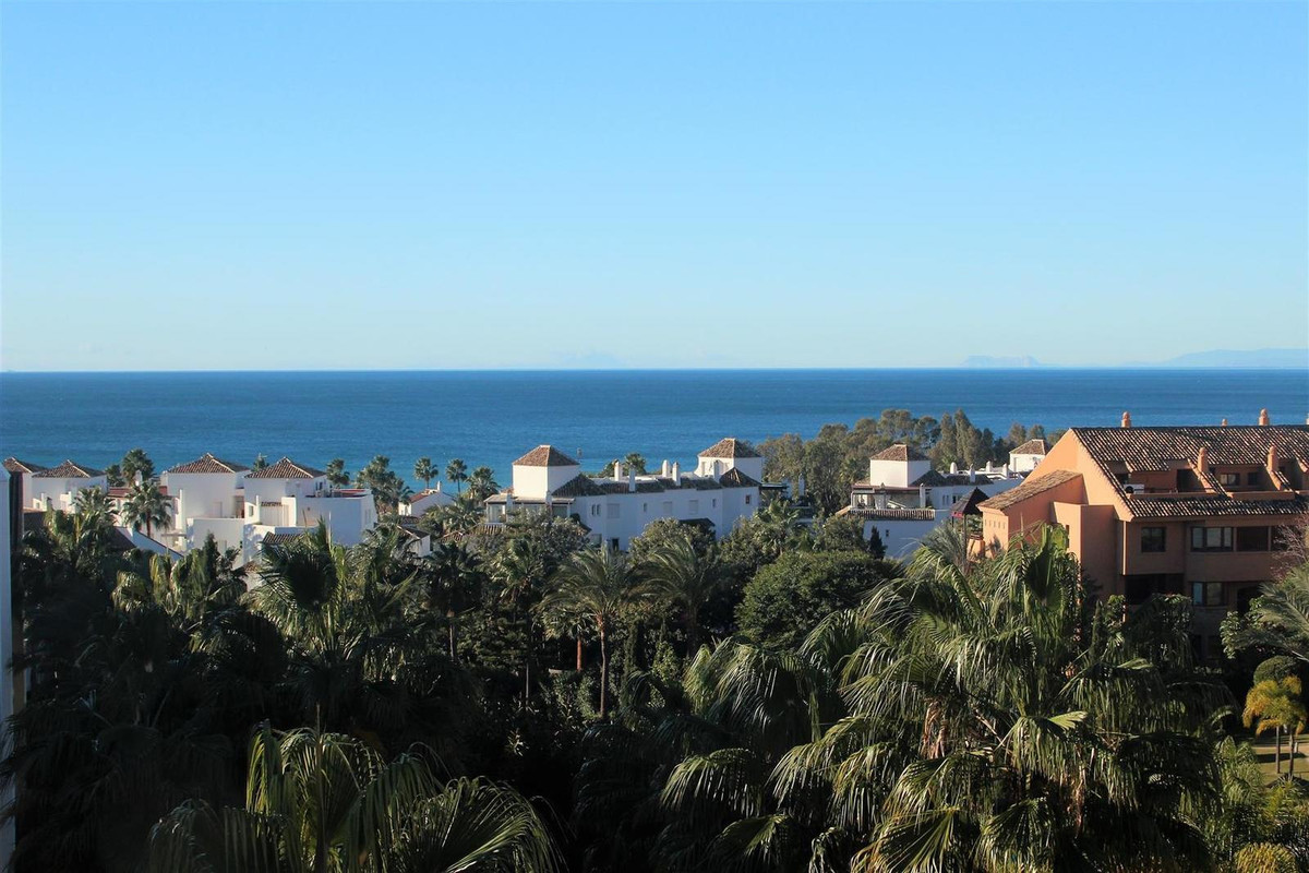 Great Penthouse in bahia de Marbella. Amazing views to the gardens, panoramic sea views, views to Ma, Spain