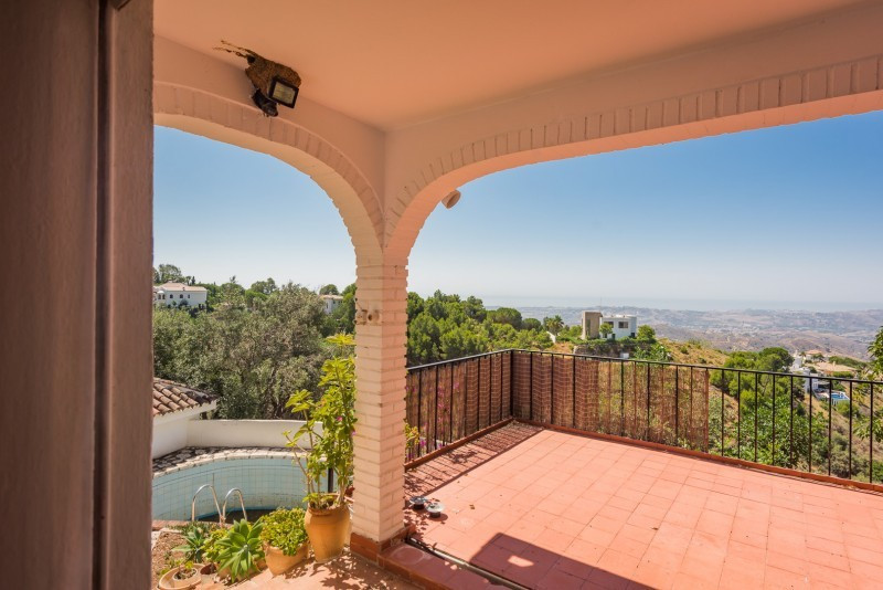 Villa for sale in Valtocado, Mijas, with 3 bedrooms, 2 bathrooms and has a swimming pool (Private), , Spain