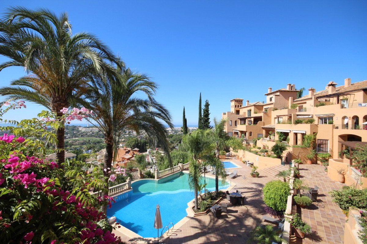 Top position in the beautifull complex of Los Belvederes above Las Brisas Golf and Los Naranjos Golf, Spain