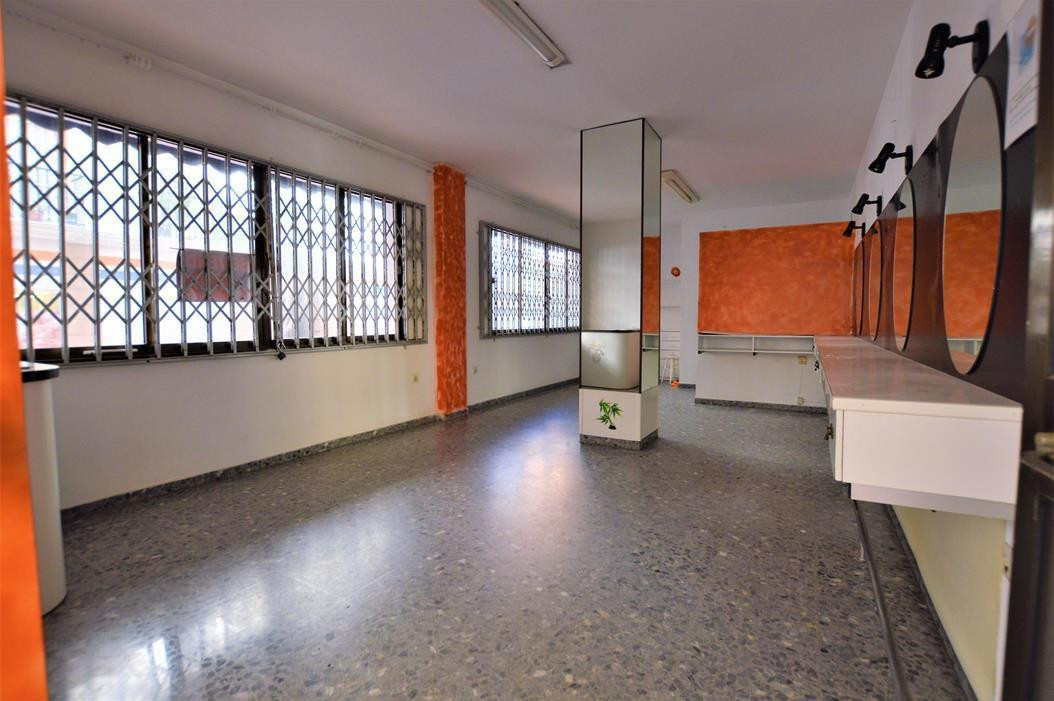 **** COMMERCIAL PREMISES FOR SALE IN THE CENTER OF FUENGIROLA ONLY ONE STREET FROM THE BEACH FOR INC, Spain