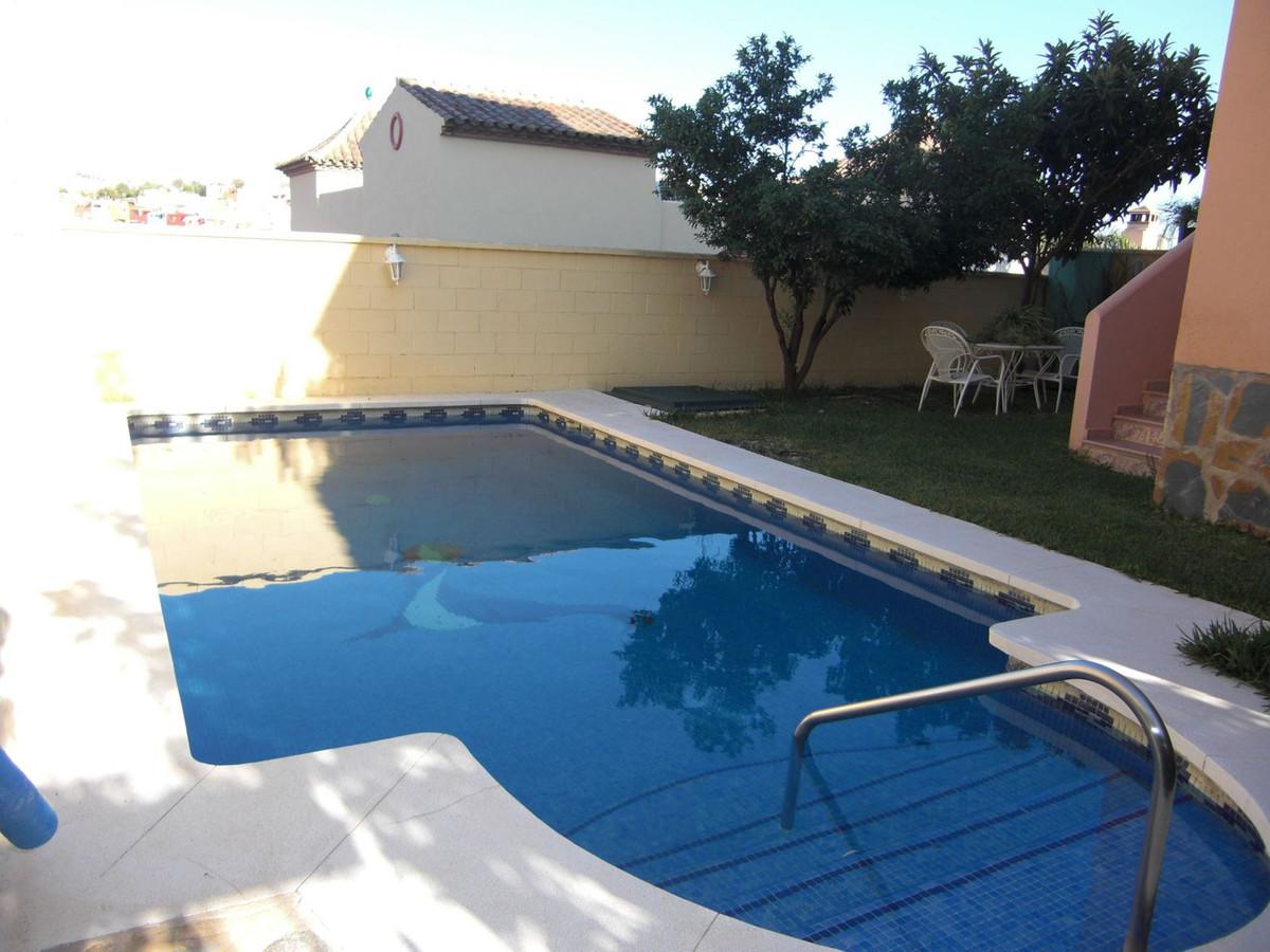 Semi-Detached House, Marbella, Costa del Sol. 5 Bedrooms, 3 Bathrooms, Built 240 m², Terrace 15 m², ,Spain