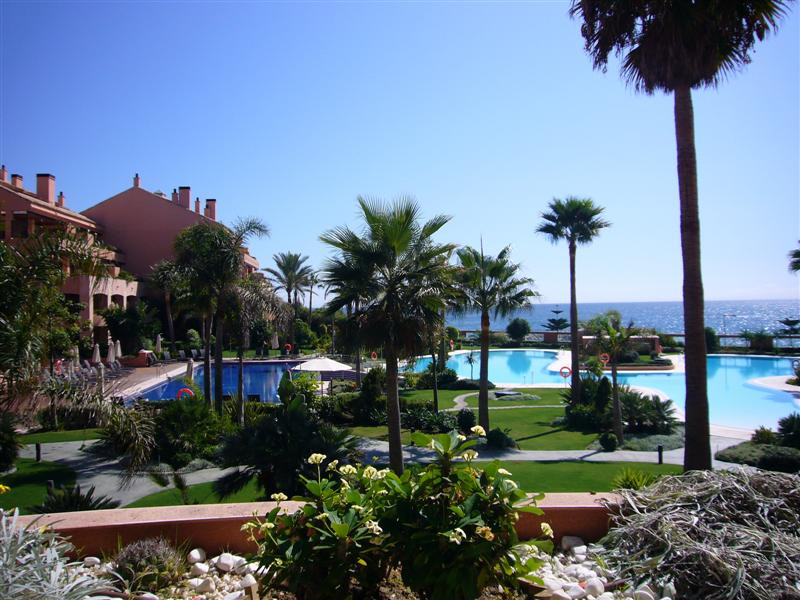 Fantastic, luxery apartment, located first line beach and with uninterrupted views to the gardens, t,Spain