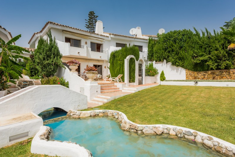 Town House for sale in Ancon Sierra, Marbella Golden Mile, with 3 bedrooms, 3 bathrooms, 1 toilets a, Spain