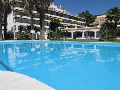 - TOTALLY REFURBISHED - East facing ground floor studio located in the Golden Mile of Marbella, with, Spain