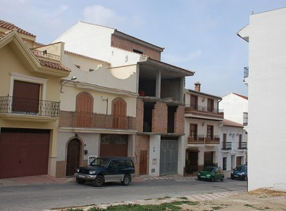 This is a great opportunity to buy a half finished project including two apartments and an attic apa,Spain