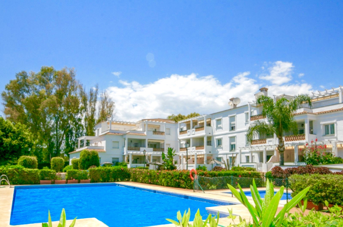 BRIGHT SOUTH FACING PENTHOUSE IN PUERTO BANUS, WALKING DISTANCE TO ALL AMENITIES  Penthouse, Puerto Spain