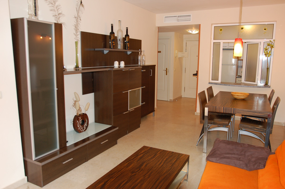 A beautiful contemporary one bedroom apartment fully furnished with 61 sq.mts. built and just 30 yarSpain