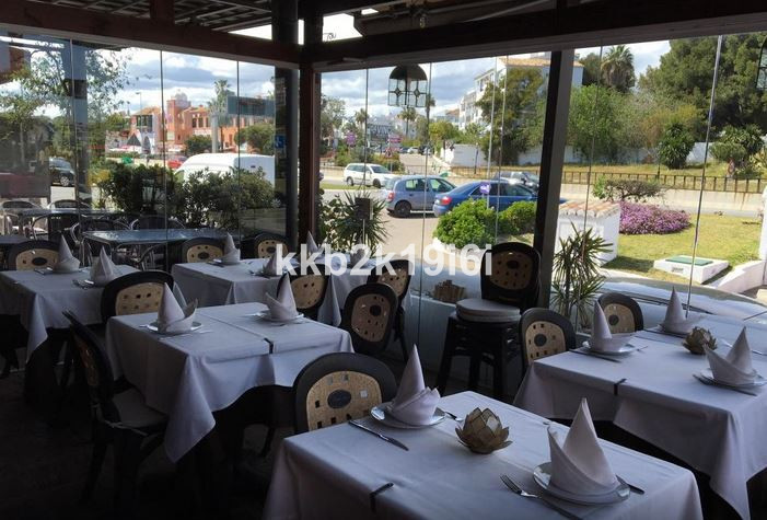 Restaurant with a 50 sqm dining room plus a spectacular 15 sqm terrace. Excellent location, has rest, Spain