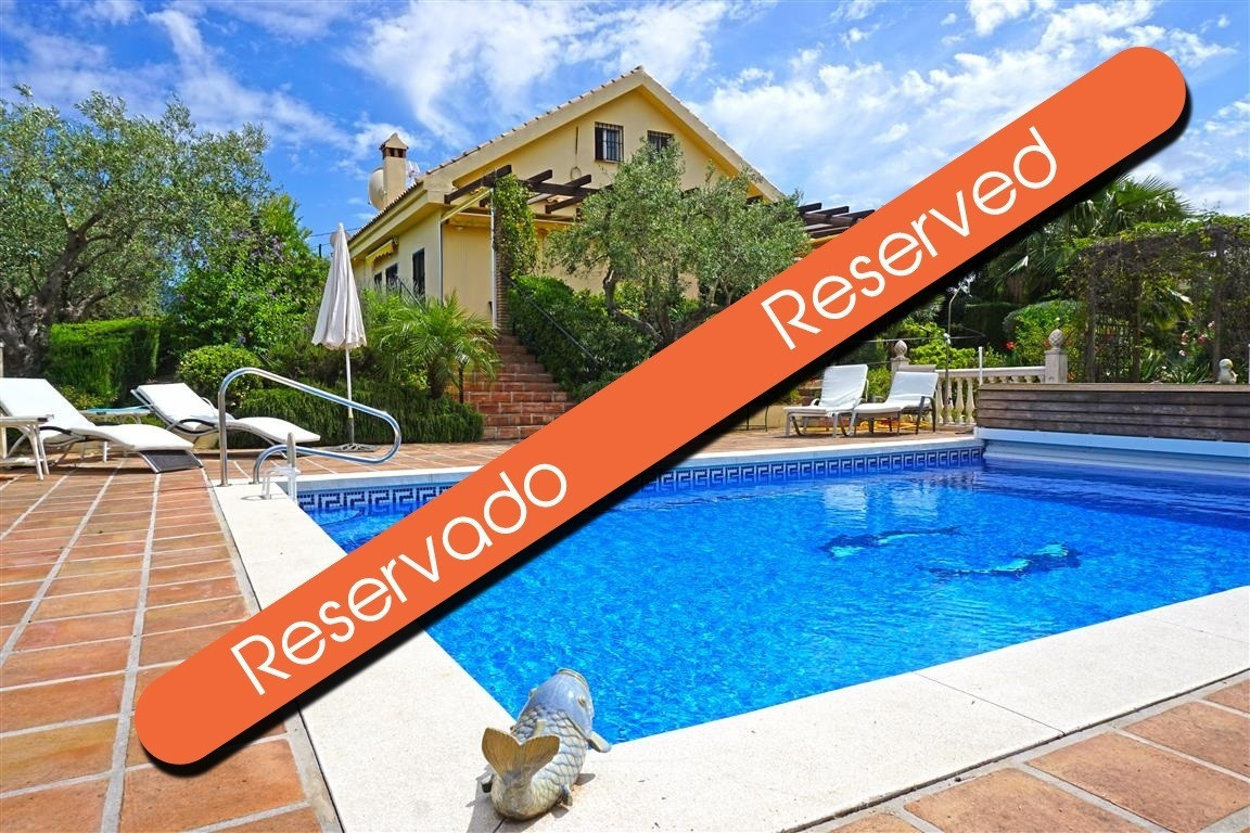 Stunning private country house with fabulous views. This south facing property has a large living-di,Spain