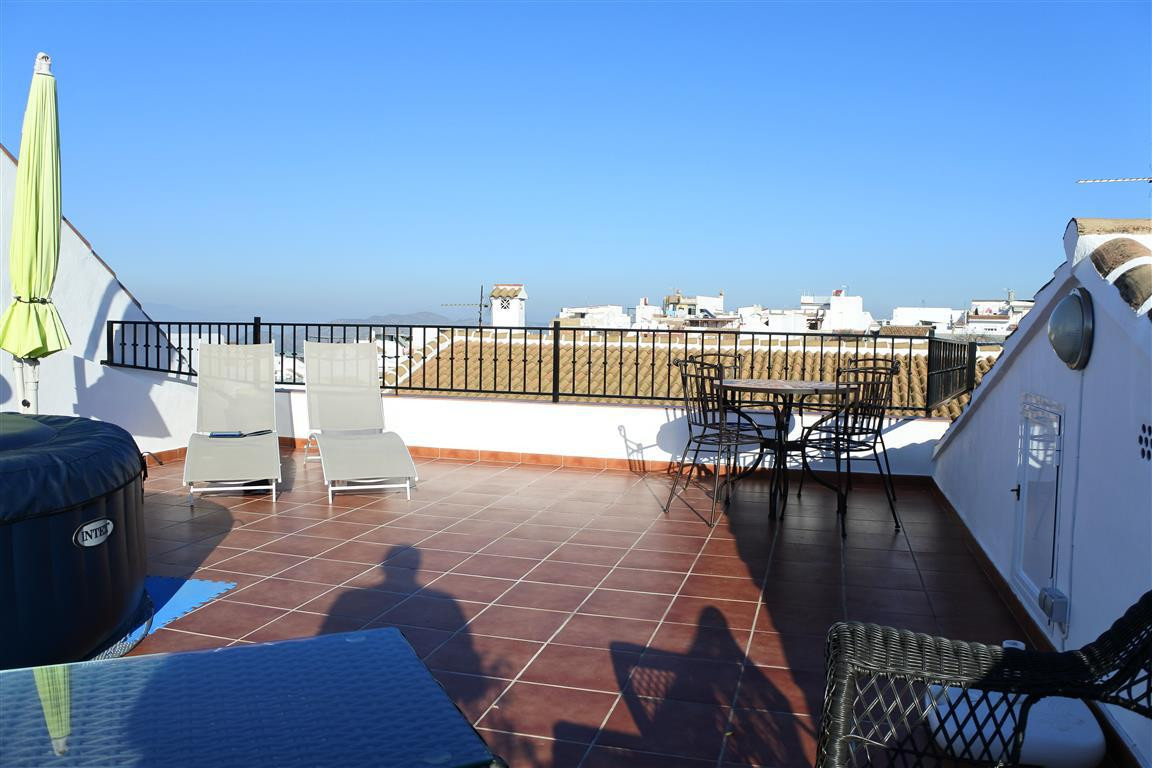 A rare opportunity to own a huge townhouse with plenty of outside space and garage parking. Located ,Spain