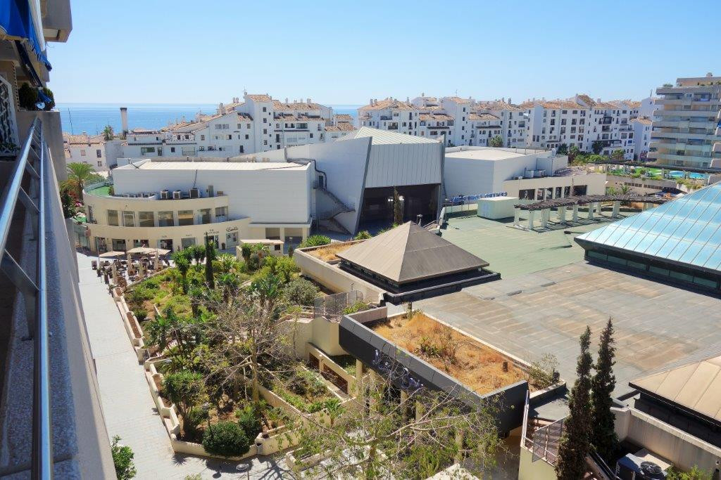 A lovely apartment for sale in Marina Banus- Puerto Banus. This apartment with two bedrooms and two ,Spain