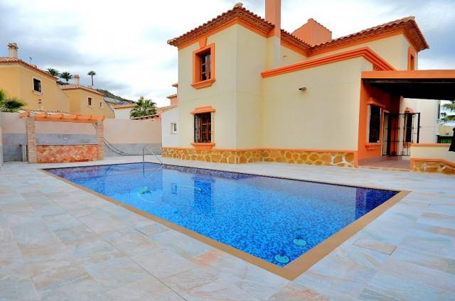 """Detached villa in Ciudad Quesada, in a quiet urbanization in front of """"La Marquesa"""" Golf C,Spain"""