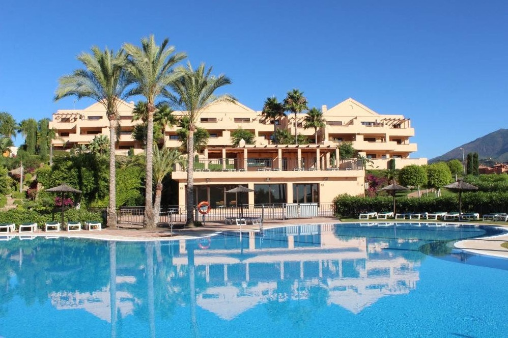 WITH PANORAMIC SEA AND MOUNTAIN VIEWS!!! Beautiful apartment for sale at Benahavis, Costa del Sol. I, Spain