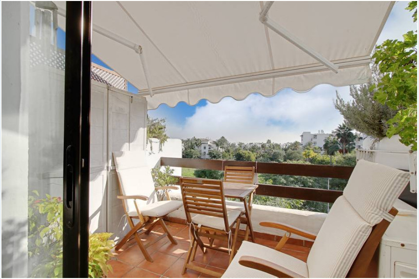 Excellent property in great condition. Beachside in Costalita, one of the most sought after urbaniza,Spain
