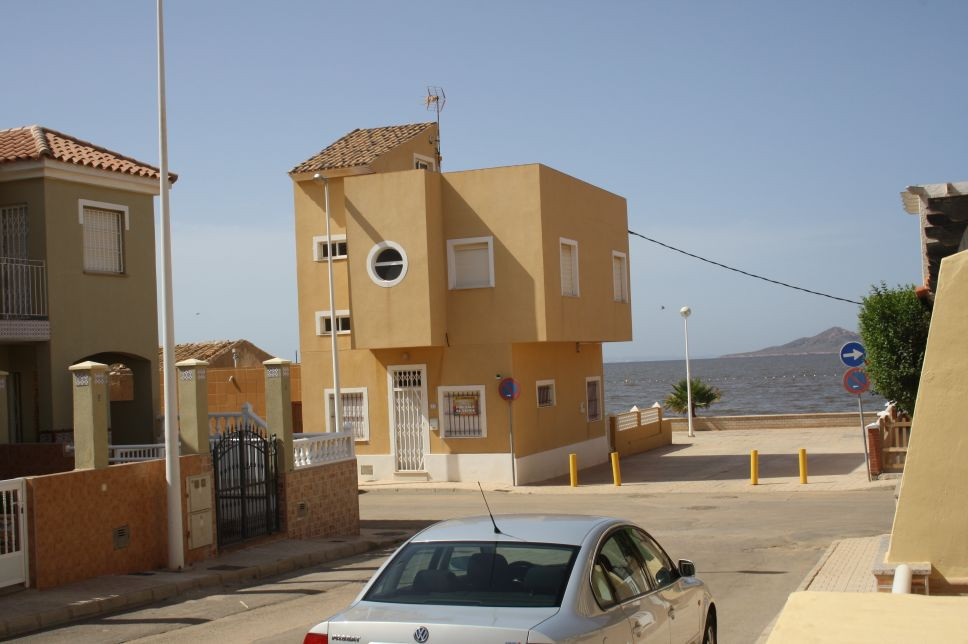 3 BEDROOM TOWNHOUSE IN LOS NIETOS, MURCIA. Los Nietos is a small village near to the beach and the M, Spain