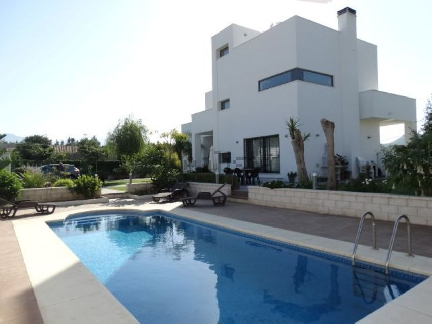 Beautiful house for sale in Alhaurin de la Torre. It has a very modern elegant design with high qual, Spain