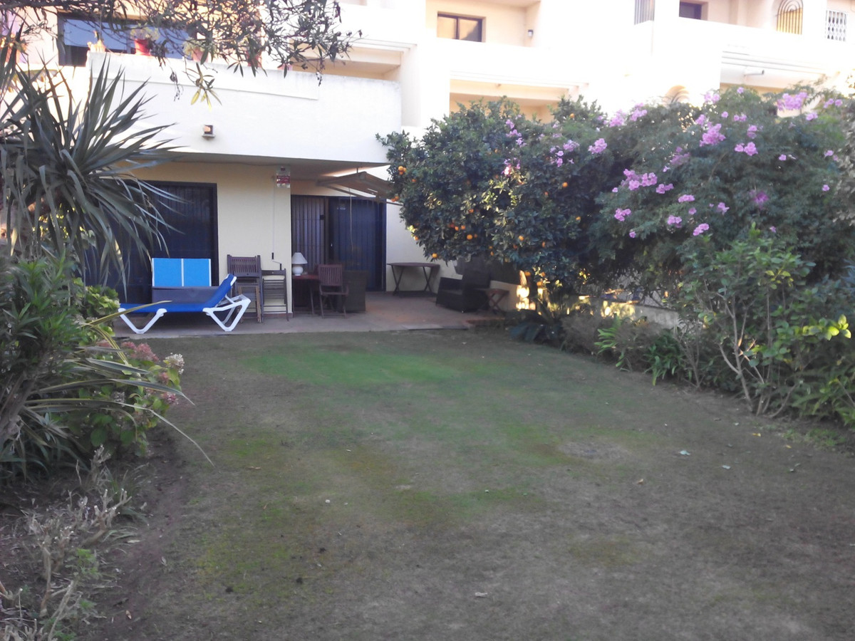 Magnificent ground floor apartment of 130 m² plus 100 m² of garden, with barbecue and terrace of 30 ,Spain