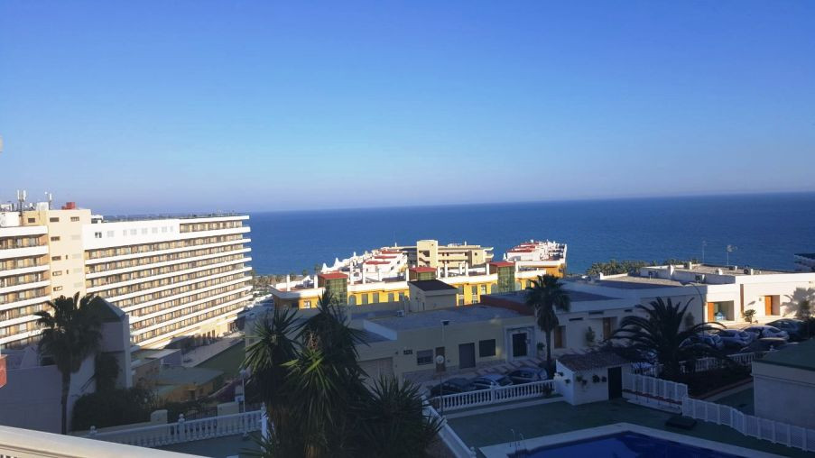 Apartment for sale in Bajondillo !!! Unbeatable sea  views !! Two minutes to the center of Torremoli,Spain