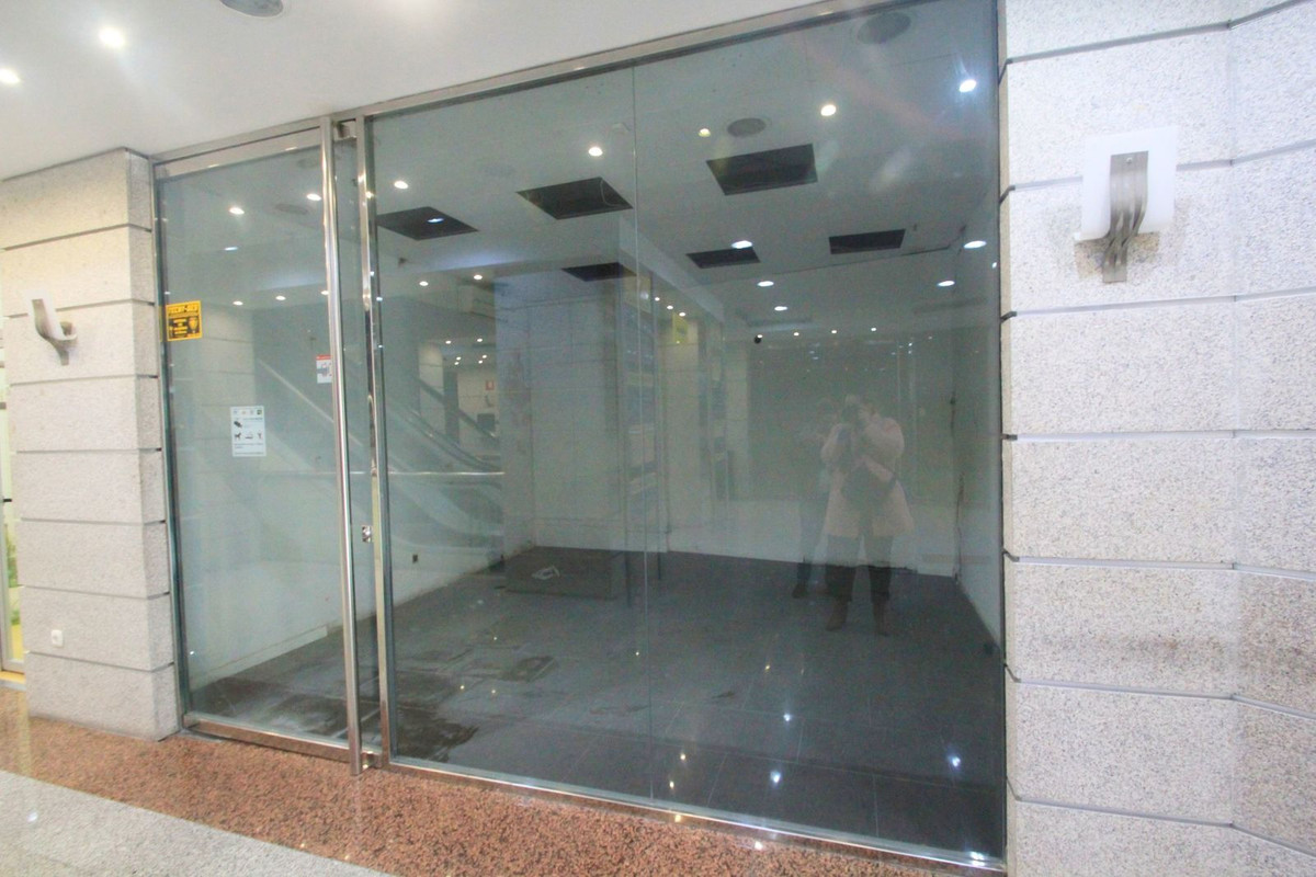 Commercial property located in the business centre in Benalmadena Puerto Marina area. The property h, Spain