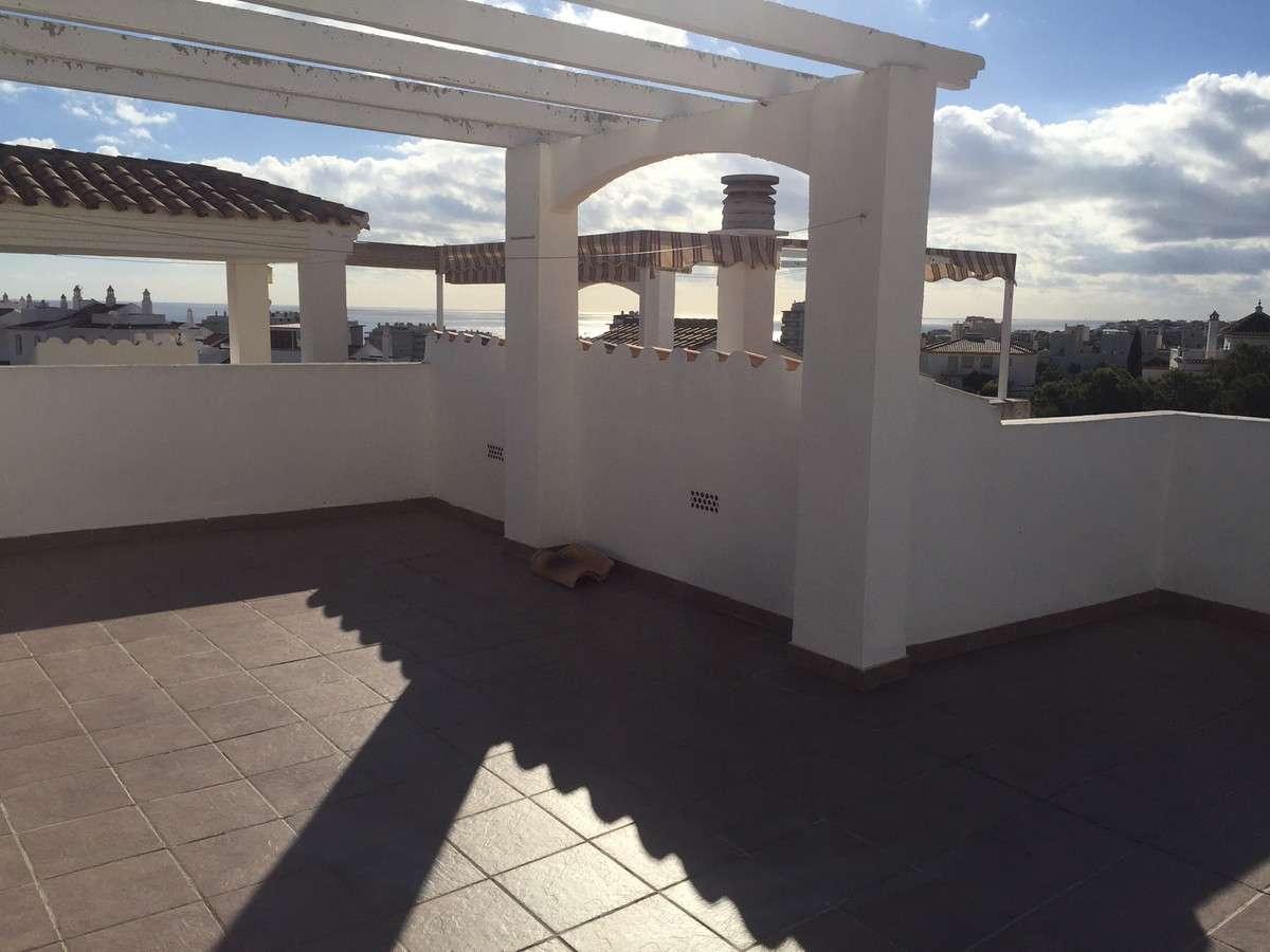 Beautiful Penthouse with solarium close to the Tivoli World with incredible panaromic views and very, Spain