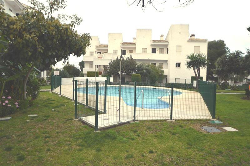 Situated in Mijas Costa a bargain 2 bedroom apartment fully modernised. The apartment offers a open , Spain